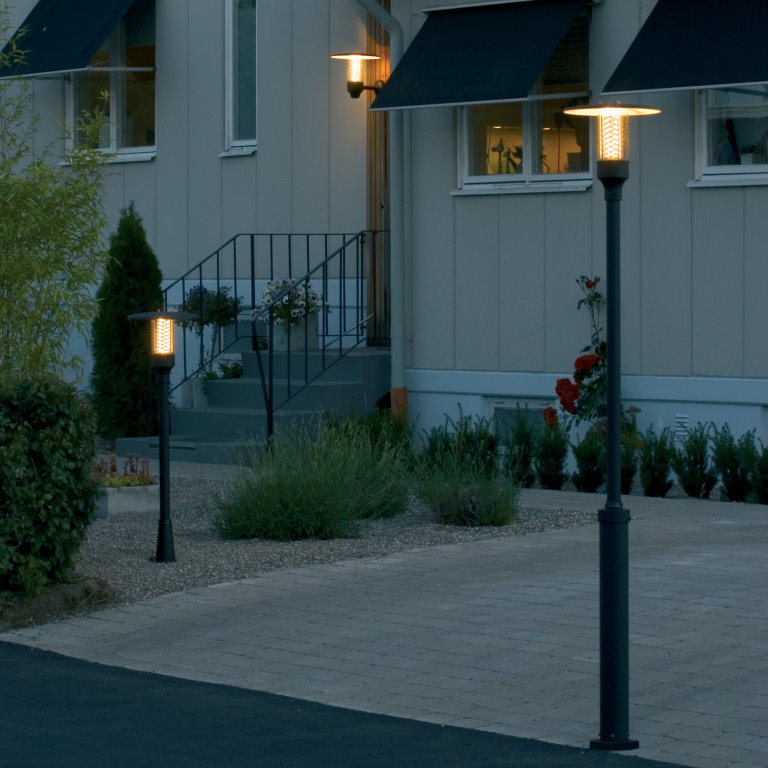 Decorative Lamp Posts with Lanterns