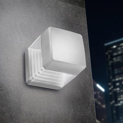 Ester Wall Light