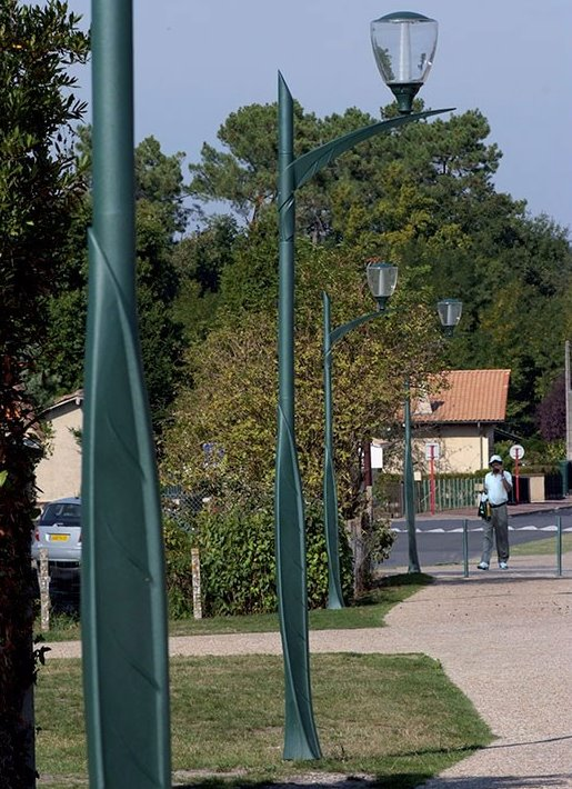 Contemporary Lamp Post and Bracket Lighting