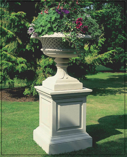 Belvoir Tazza Garden Ornament PURCHASE 2 PIECES AND SAVE 10%