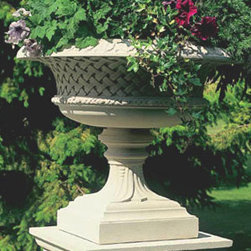Belvoir Tazza Garden Ornament