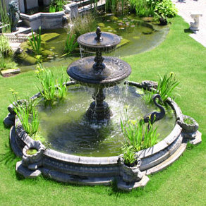 Large Windsor Garden Fountain Pool Surround