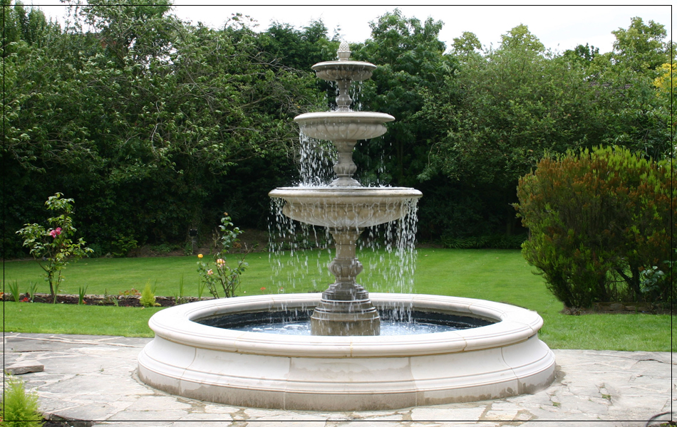 Medium Round Versailles Pool Surround